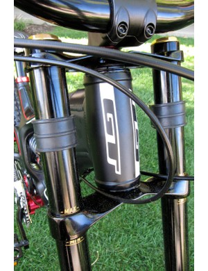 The Fury employs a 1-1/2in straight headtube, which can be fit with straight or tapered steerer tubes
