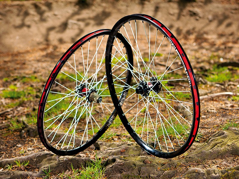 DMR Thret HD Custom wheelset