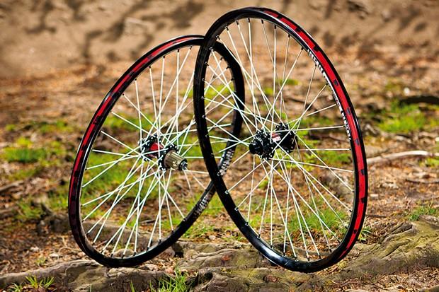 DMR Thret HD Custom wheelset