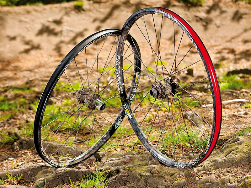 Mavic Crossline mountain bike wheelset