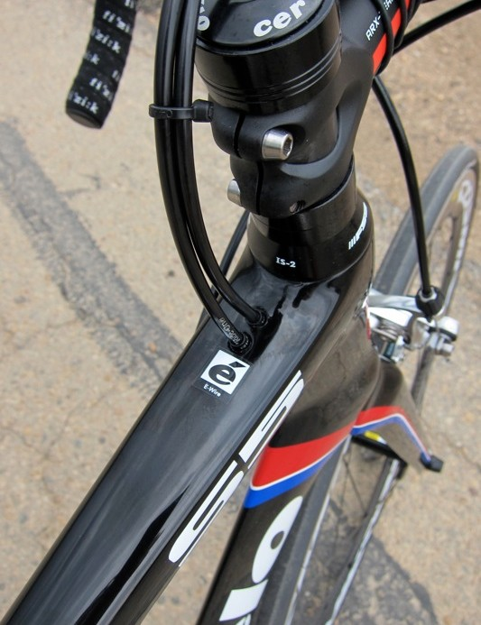 The S5's shifter cables are internally routed and enter behind the steerer