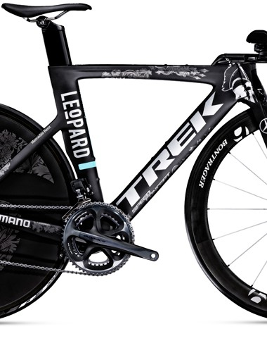 The Speed Concept 9.9 time trial bike paintjob includes seven spears - the lucky number of the Swiss