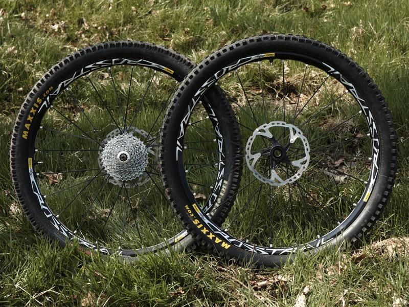 Mavic Crosstrail Wheelset