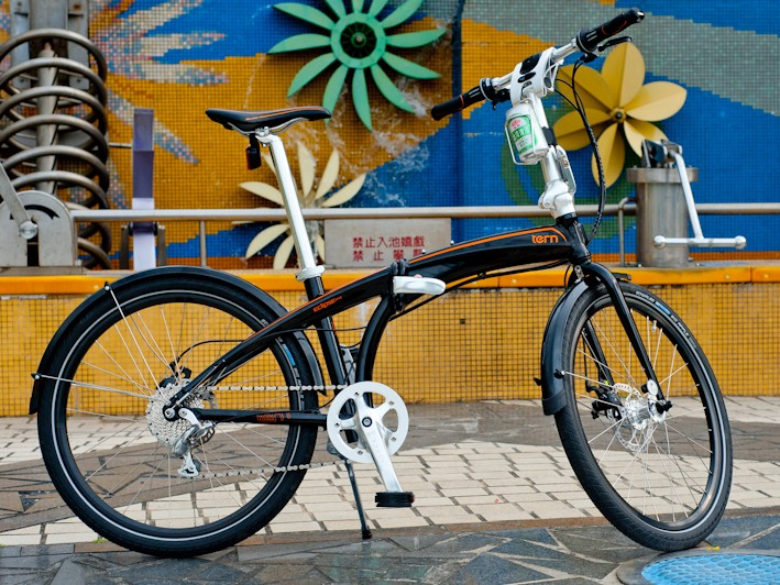 Tern is a new folding bike brand headed by Florence and Joshua Hon. This is the Eclipse
