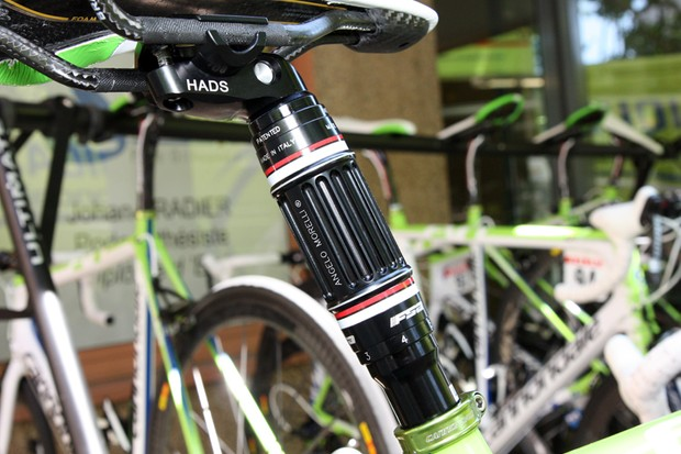 Ivan Basso (Liquigas-Cannondale) had this wild height-adjustable seatpost fitted to both of his Cannondale SuperSix Evos