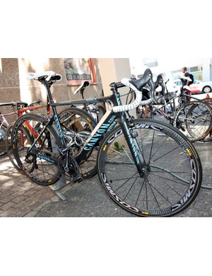 Philippe Gilbert (Omega Pharma-Lotto) actually gets two custom painted bikes to use in this year's Tour de France - and they're finished in different colors