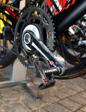 Philippe Gilbert's (Omega Pharma-Lotto) new Campagnolo/SRM crank is capped with Look KéO Blade pedals
