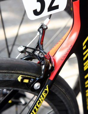 Philippe Gilbert (Omega Pharma-Lotto) uses dual-pivot brake calipers front and rear instead of the usual Campagnolo configuration