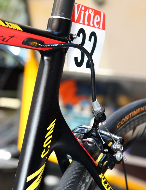 Rear brake cable routing is fairly tight on Philippe Gilbert's (Omega Pharma-Lotto) Canyon Aeroad CF