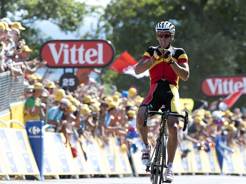 Philippe Gilbert (Omega Pharma-Lotto) wins the first stage of the Tour de France