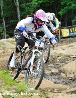 Beerten leads in the women's four cross final