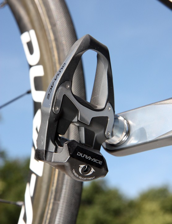Tejay Van Garderen (HTC-Highroad) puts the power down through a set of carbon Shimano Dura-Ace PD-7900 pedals