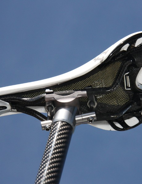 Fi'zi:k provides riders with several options for their saddle models. In this case, Tejay Van Garderen (HTC-Highroad) has chosen the TwinFlex carbon shell and braided carbon fiber rails
