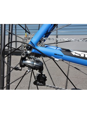 Rear-entry carbon fiber dropouts are used on the revamped Storck Absolutist