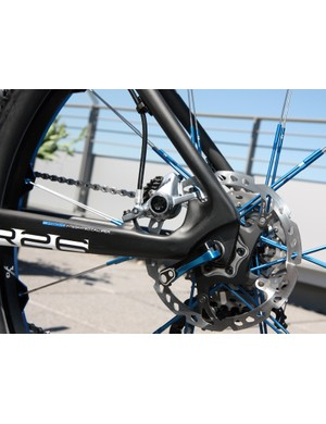 The rear brake caliper on the Storck Rebel Six is tucked neatly inside the rear triangle. Hose routing is very clean, too - as long as your caliper of choice has a rotating banjo