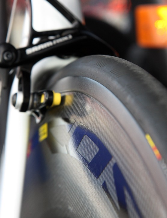 Mavic's new CXR-01 add-on piece fills in the space between the tire and rim, leaving a nearly seamless transition