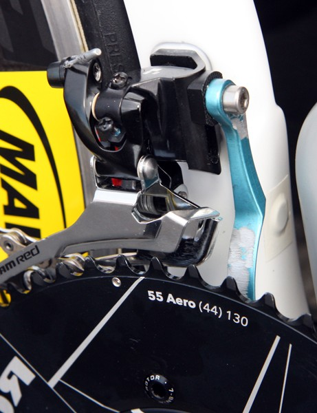David Zabriskie's (Garmin-Cervélo) AceCo K-Edge chain catcher had its logos filed off by the mechanics
