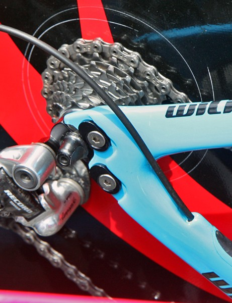 Adjustable rear dropouts on Lampre's new Wilier TwinFoil are fixed with two bolts per side