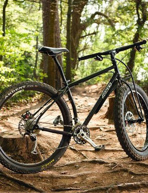 Not a fan of the skinny Truss fork and 3.8in front tyre? Opt for Jones's unicrown fork and a standard 29er wheel instead