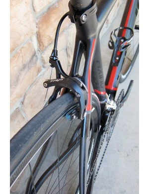 The SRAM Red components are supplemented with TRP 970SL magnesium brakes