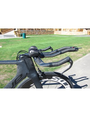 The integrated fork and one-piece handlebar and stem assembly; Blue also offer an integrated stem option for those who want to use different bars