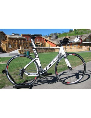 The Triad SP uses the same frame shape (with a conventional aero fork) as the SL for considerably less cash