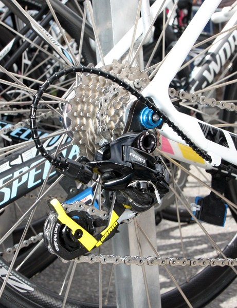 See a single speck of dirt or grime on the cassette, chain or rear derailleur of Alberto Contador's (Saxo Bank-Sungard) bike? Neither do we