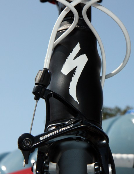 The new Specialized Tarmac SL4 uses a slightly slimmed down tapered head tube as compared to the SL3 but the down tube and top tube are still very wide, lending a unique profile to the front-end view