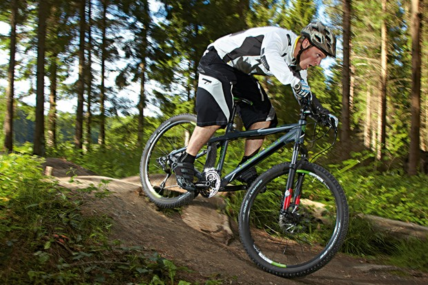 The Ghost SE6000 is a recreational jack of all trades and a good bet for beginner riders