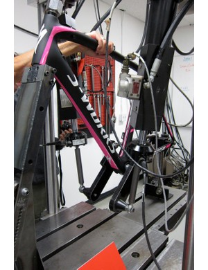 The new Tarmac SL4 on the dual pedal fatigue test
