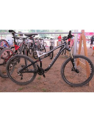 The M5 alloy Specialized Stumpjumper FSR Elite