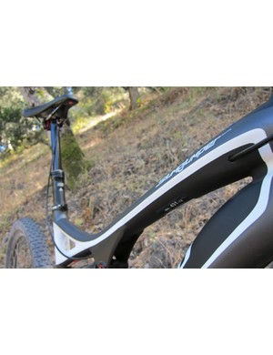 Internal dropper post cable routing is used on both Specialized's carbon and alloy Stumpjumper FSR models