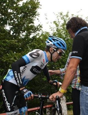 Dave Zabriskie leaving the Tour de France