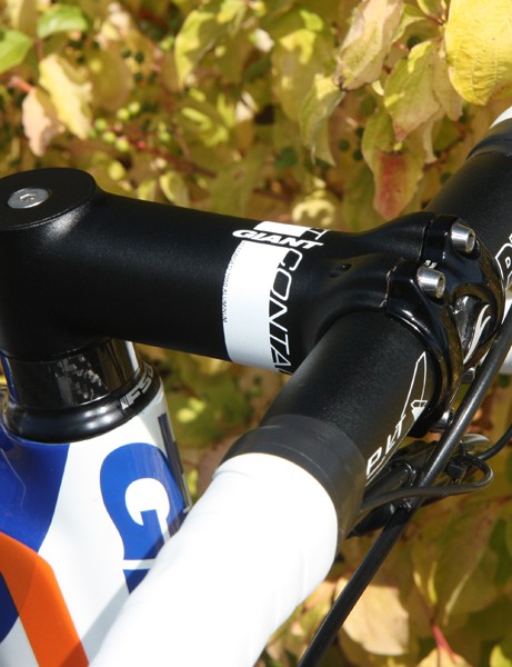 Most of the Rabobank team are using prototype PRO stems or integrated cockpits with 1-1/4in clamp diameters. Lars Boom, however, prefers Giant's own Contact forged aluminum stem