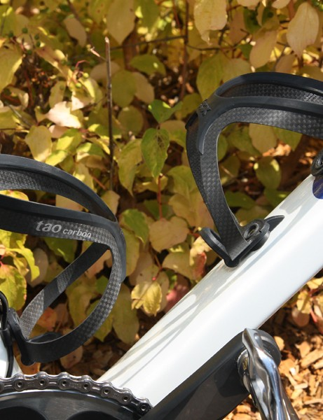 A pair of Tacx Tao Carbon cages keeps bottles at the ready