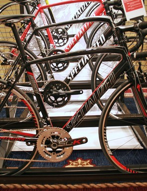 Specialized's 2012 Allez Evo Rival and Compact models get an oversized bottom bracket and carbon fork for 2012