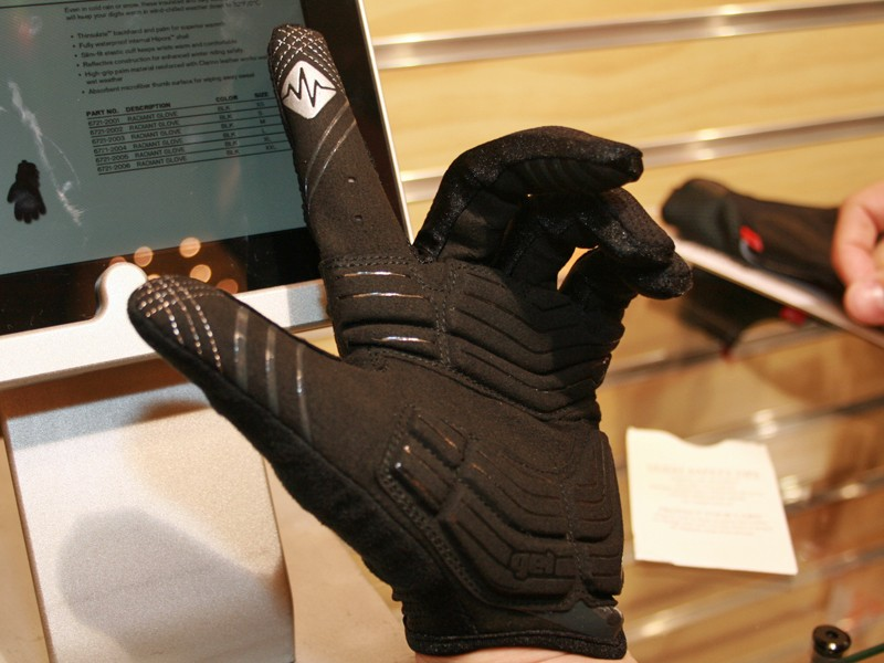 WireTap technology is the standout feature on the BG Gel glove