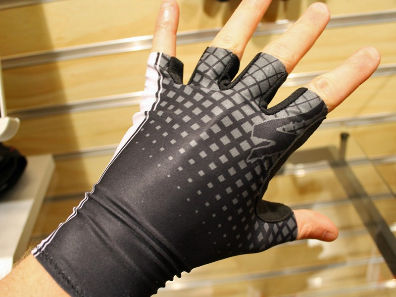 The BG Flite is a Lycra-fronted aero glove