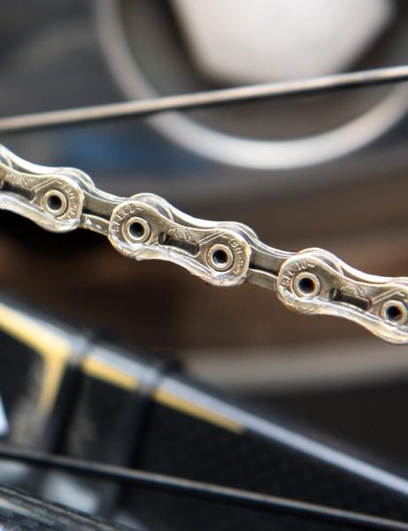 Even the chain is gold on Samuel Sanchez's (Euskaltel-Euskadi) Orbea Orca