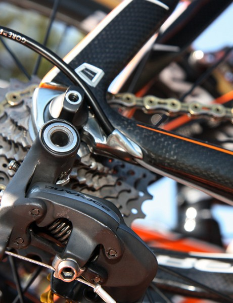 Orbea's unique routing system on the Orca relies on the full-length liner of Gore's Ride-On cable system
