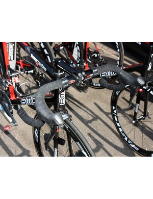 George Hincapie (BMC) uses Easton's anatomic-bend EA70 bar and forged aluminum EA70 stem