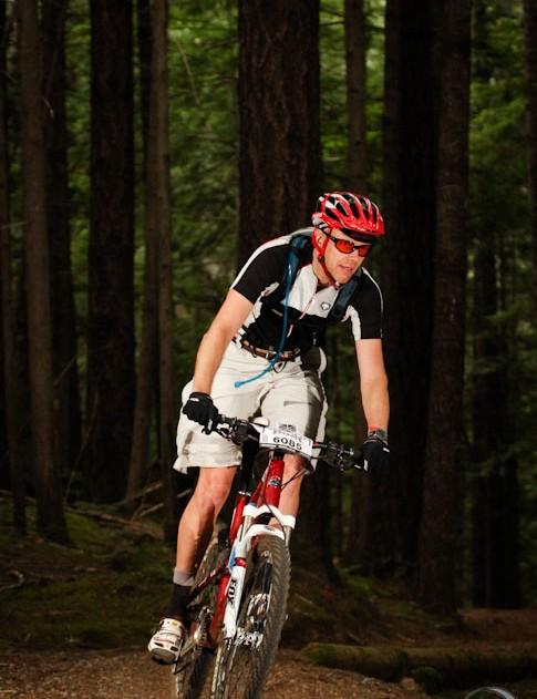 The author gets his groove on during stage 1 in Cumberland. Sumner rode a 20.5-inch Rocky Mountain Element MSL 70