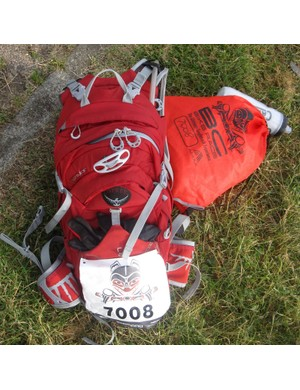 Despite the shorter days, hydration pack wearers outnumbered the bottles-only crew by 2-to-1