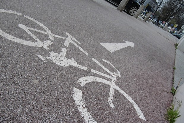 Novato, CA to fill missing link in city bike path plan