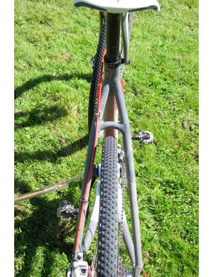 There's ample mud clearance around the seat- and chainstays of the Crux Disc