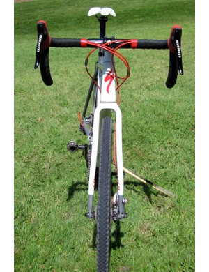 There's plenty of clearance offered by the FACT carbon disc fork as well
