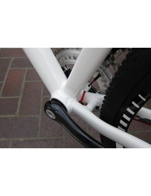 OSBB shell and front derailleur cable boss