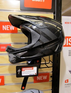 In testing, team riders said that the 4th Dimension cooling design worked too well on cold days; they were asking for vent plugs to warm the helmet up