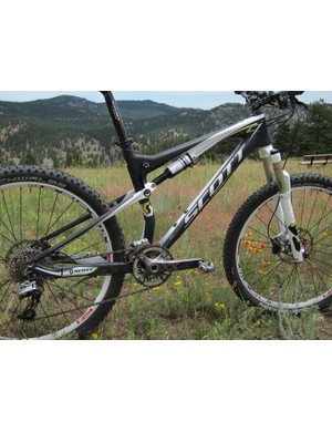 The simple black-and-white paintjob accentuates the newly sweeping lines of the 2012 carbon fiber Scott Spark RC
