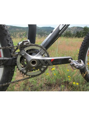 The very lightweight chassis on the carbon fiber Scott Spark frames are perfect for 2x10 drivetrains - 29er riders might have a tough time with the 26x36T low gear on very long climbs, though